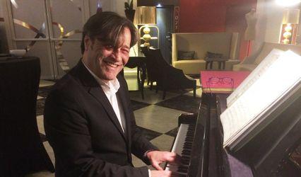 Leonardo - Piano Bar