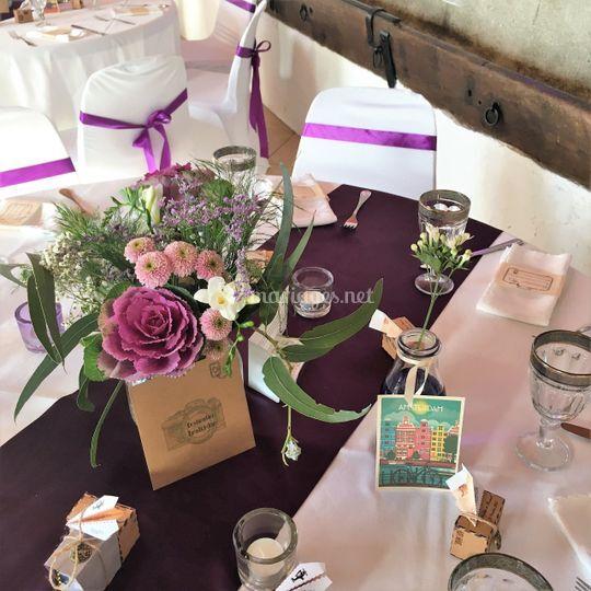 Table - violet