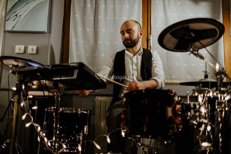 Damien à la batterie