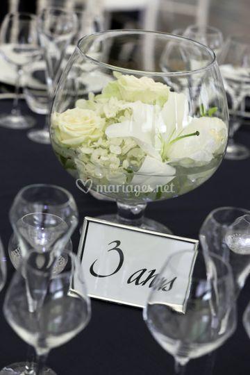 Centre de table vase et fleurs
