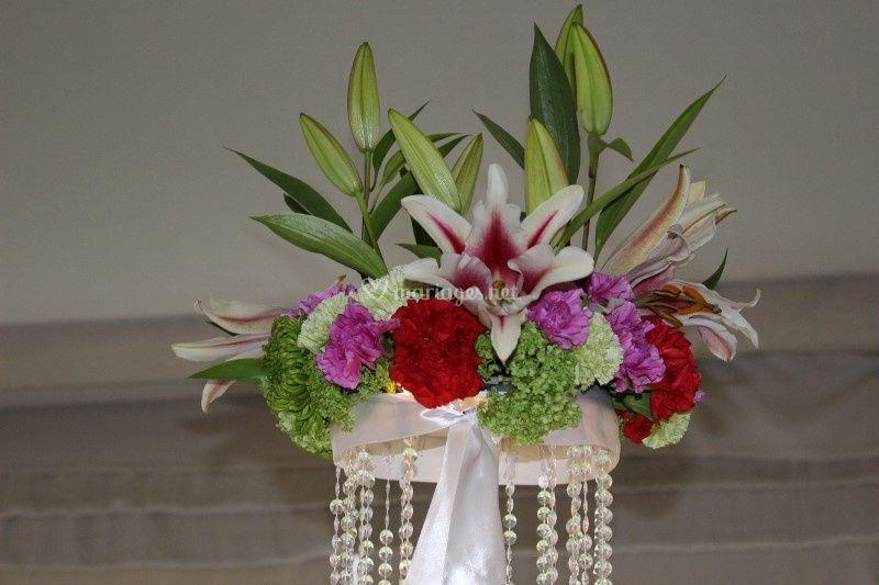 Avec composition florale