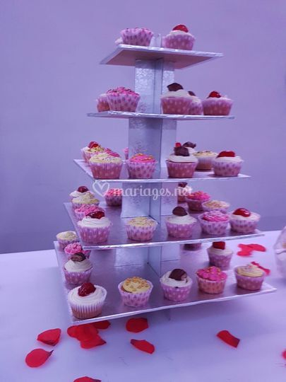 Tour à cupcakes gourmands
