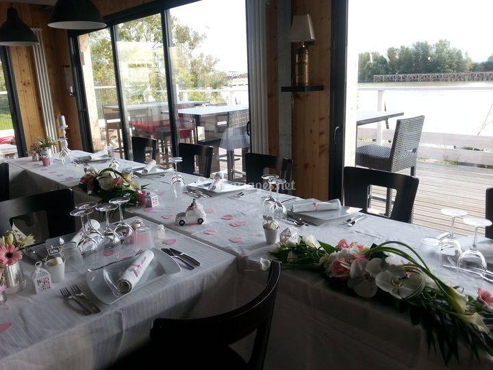 Repas assis d'un mariage