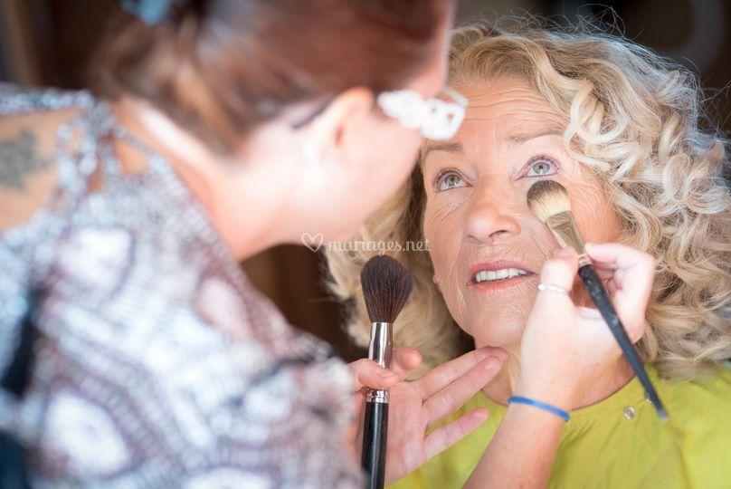Maquillage maman de la mariée