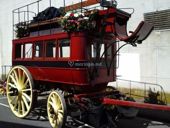 Omnibus decoré