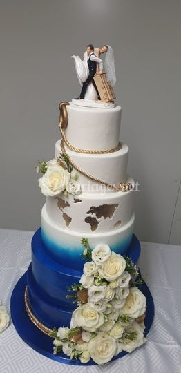 Wedding cake bleu et or marin
