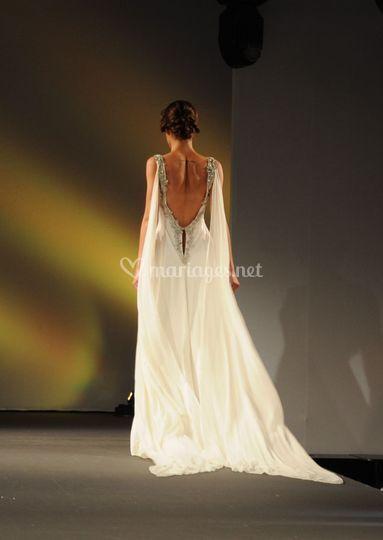 Robe de mariée en soie fluide