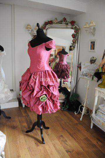 Robe de cocktail rose foncé