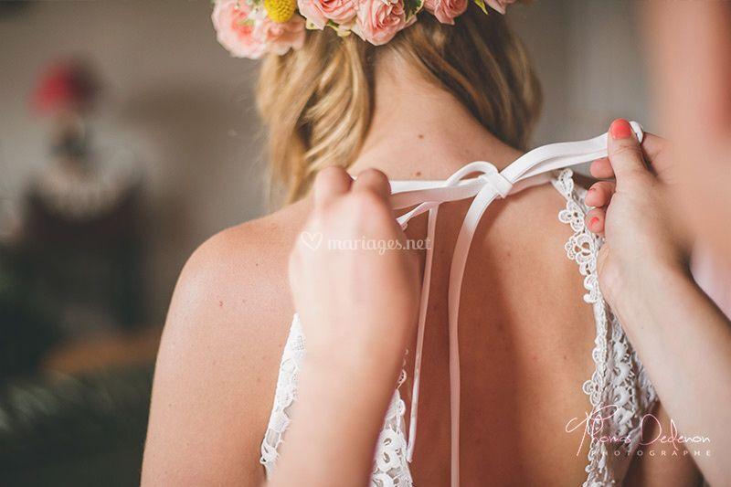 Détail habillage mariée
