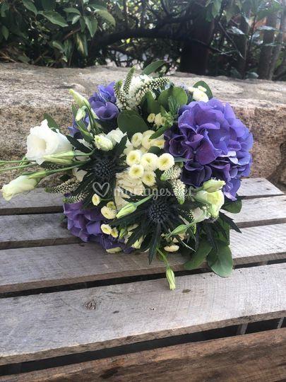 Bouquet rond de mariée muzilla