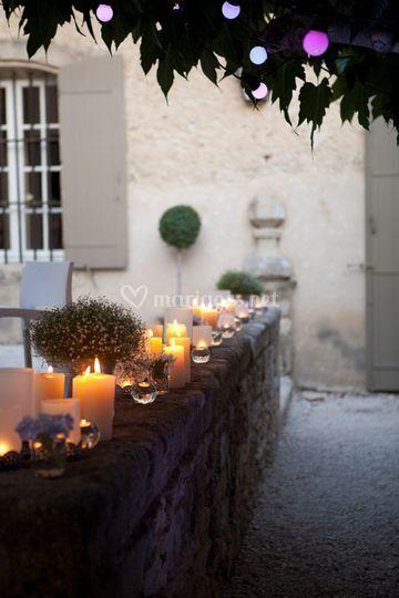 Décoration mur de bougies