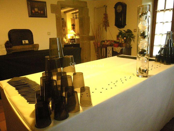 Anniversaire  Black & White mise en place buffet