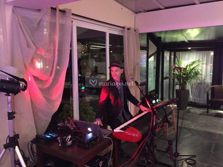 Live music & DJ 1
