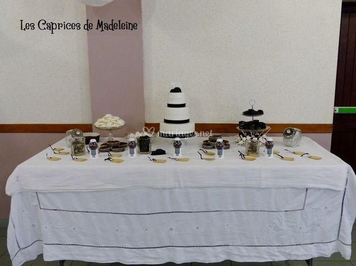 Table gourmande noir et blanc