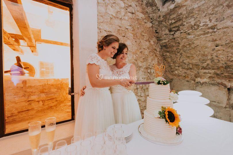 Wedding cake Rainbow inside