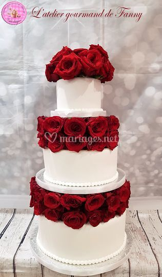 Wedding cake étages roses