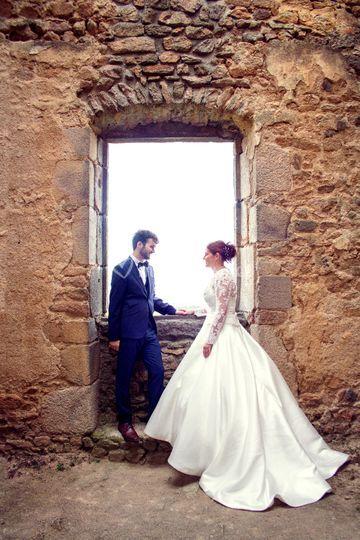 à la fenêtre du chateau