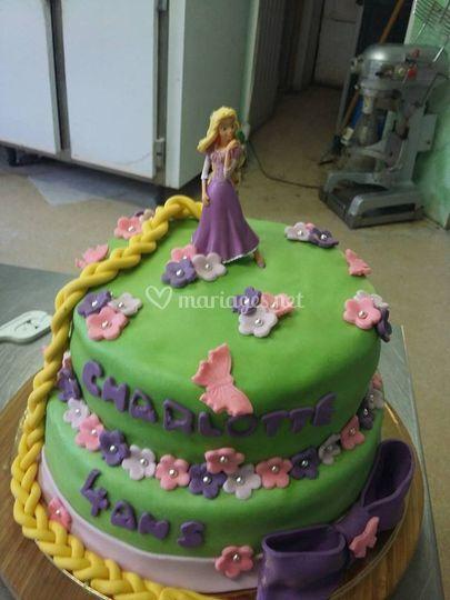 Wedding Cake Papillon Violet Et Vert