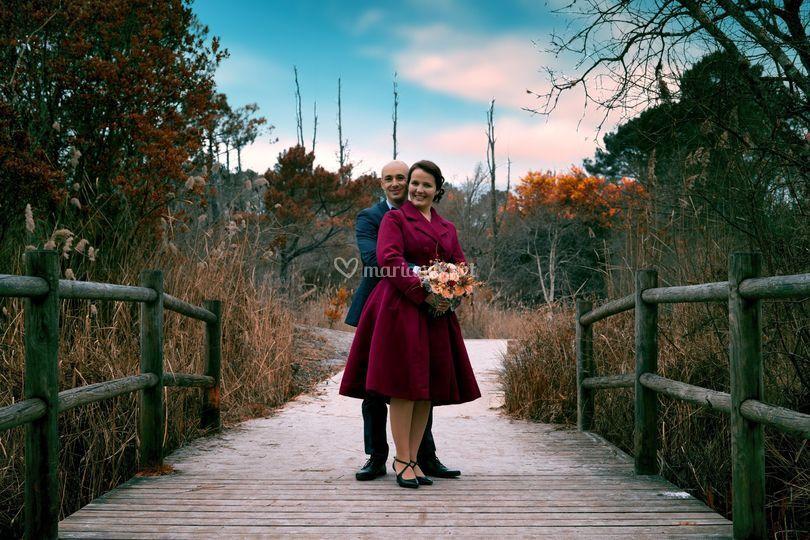 Des amoureux sur un pont