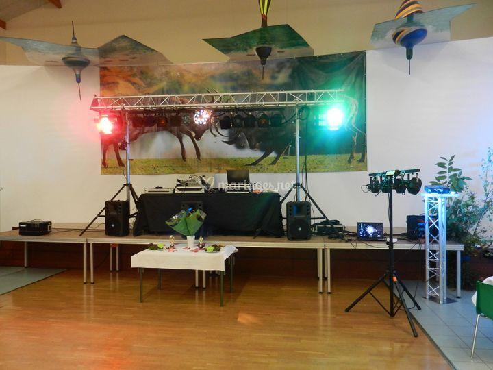 Portique lumière et régie DJ