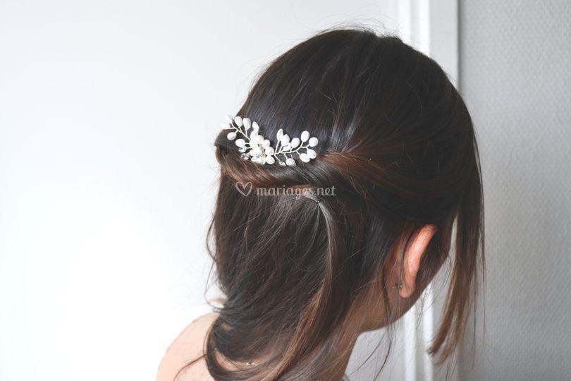 Pic à cheveux fleur perles