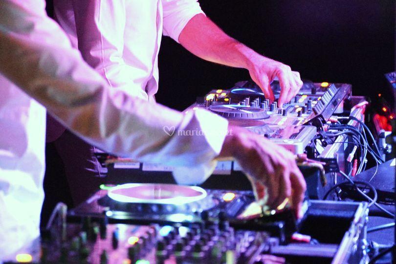 DJ 6Real Animation
