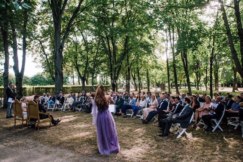 Cérémonie dans le parc