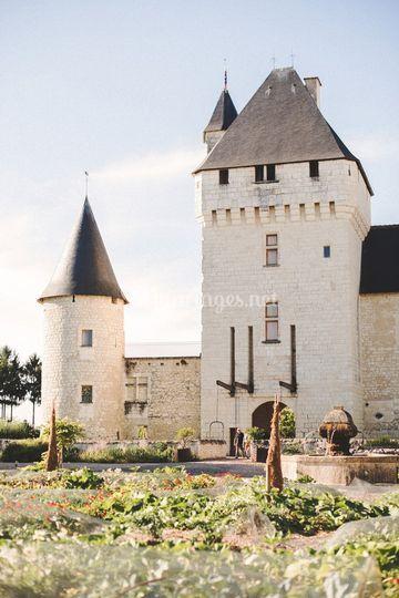 le donjon sur chteau du rivau - Chateau Du Rivau Mariage