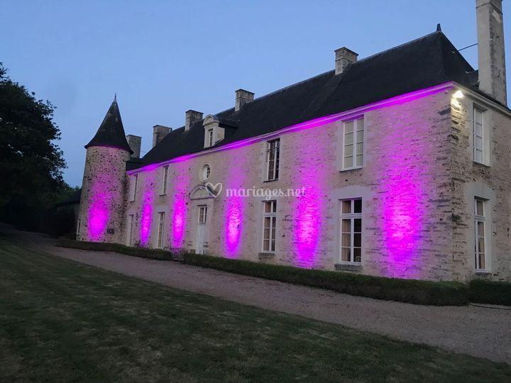 Château éclairé de nuit