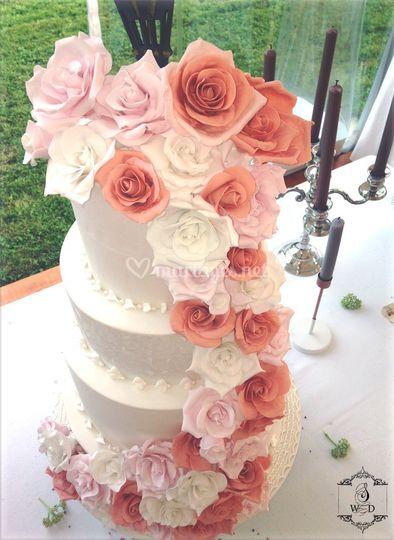 Cascade de rose en sucre