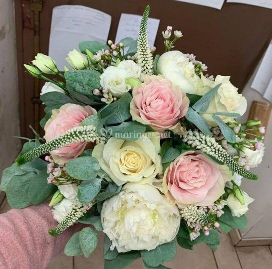 Bouquet de mariée flou