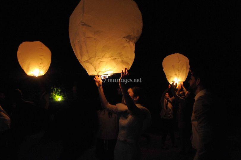 Lâcher de lanterne japonaises