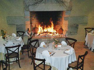 La cheminée donne une atmosphère chaleureuse