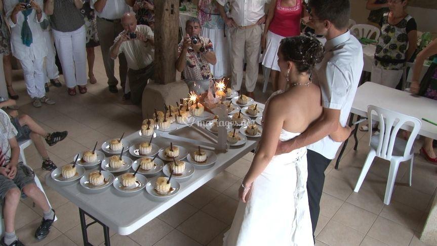 Les mariés en contre-plongée