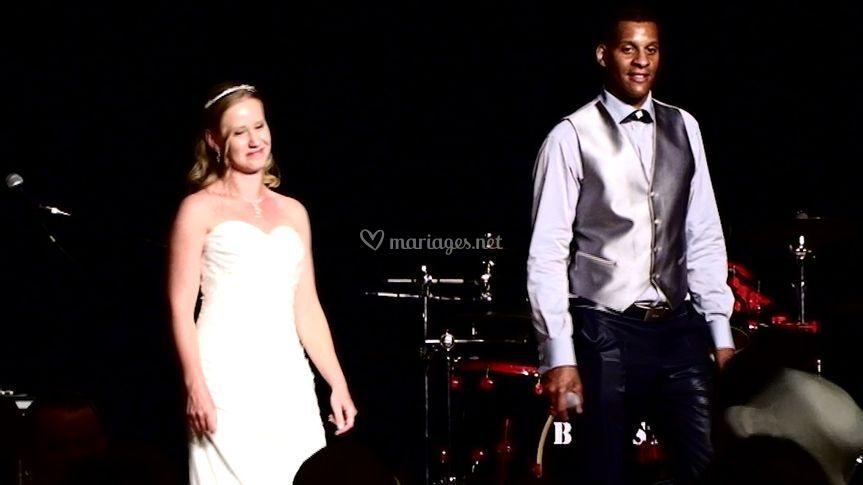Les mariés au bal