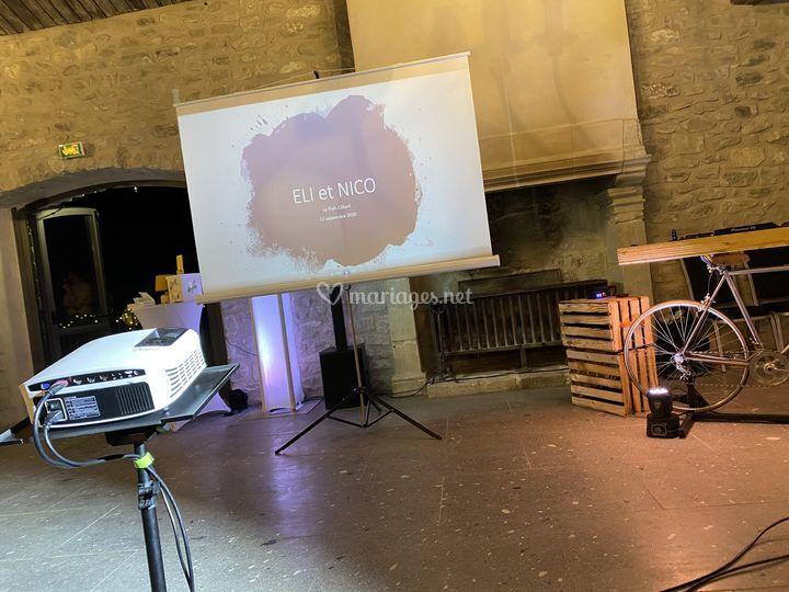 Vidéo projection à Poet Celard