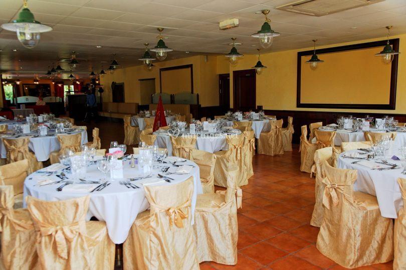 Salle réception Tables rondes