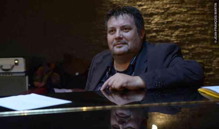 Barry Love au piano