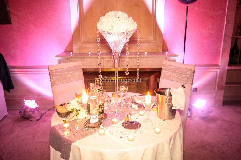 A table les mariés !