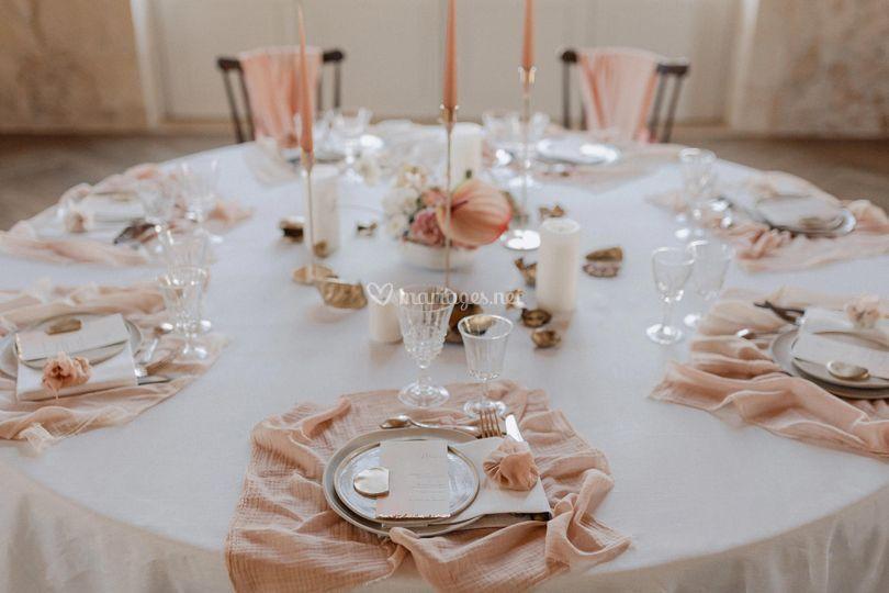 Une jolie table rose blush