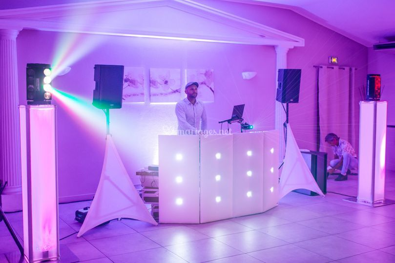 Cabine DJ effet lumière