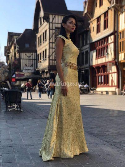 Robe de soirée couleur doré