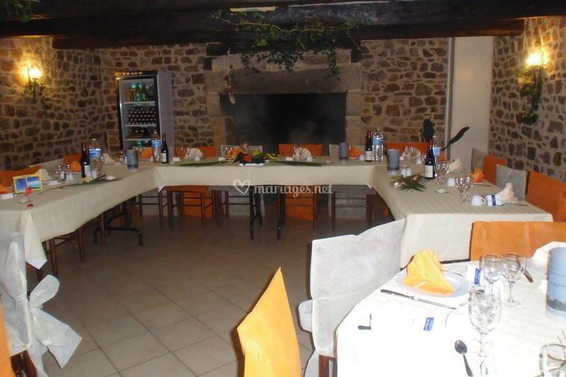 Vue intérieure avec tables