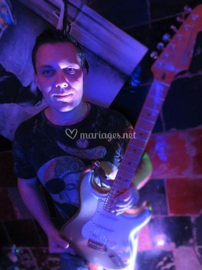 Angelo - guitare/chant/DJ