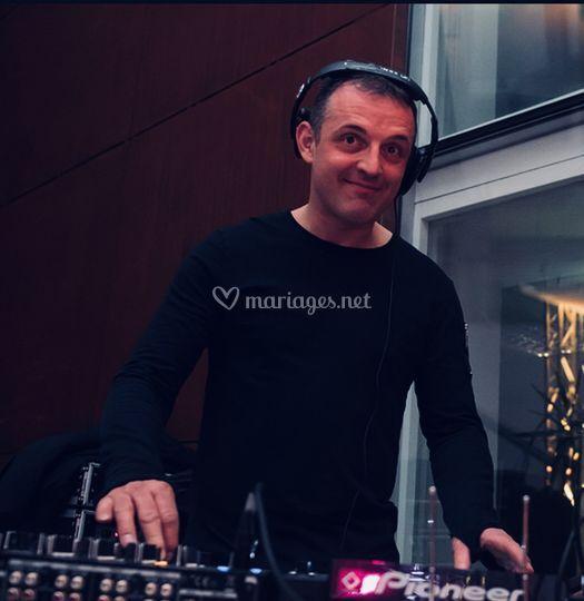 DJ Loikc