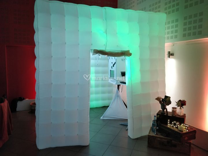 Cube photobooth