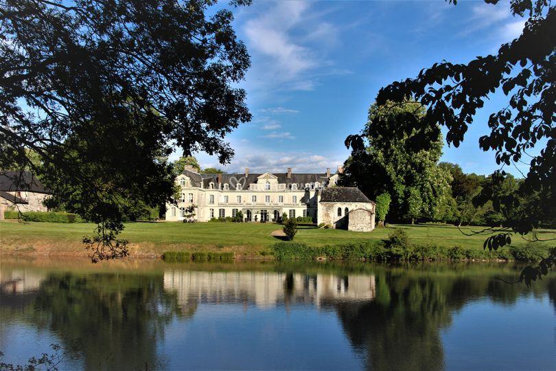 Le château vue de l'étang