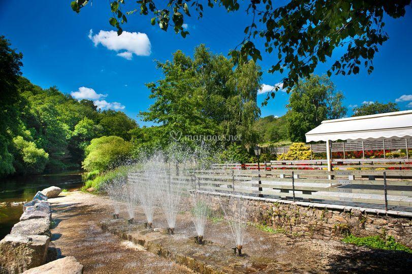 Jets d'eau terrasse Le Moulin