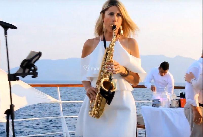 Chanteuse saxophoniste MA