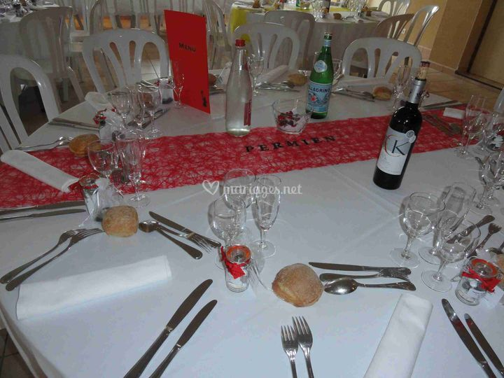 Escary - Taille table ronde 8 personnes mariage ...